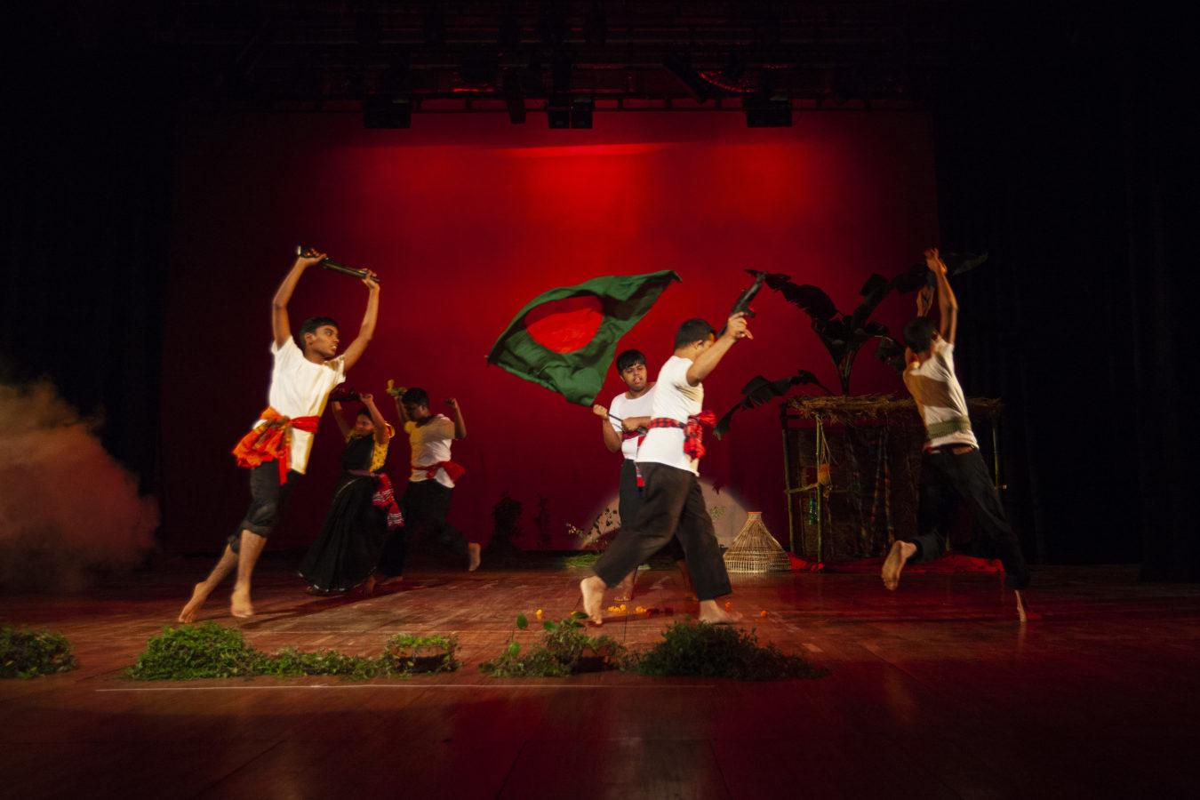 Manchitrer Jonno 2nd Stage Show